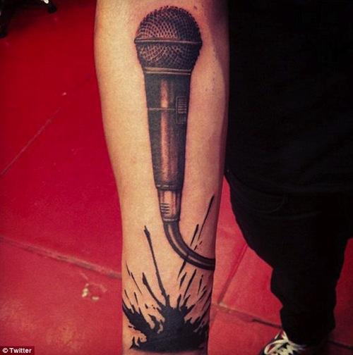 1d-tattoos-mic