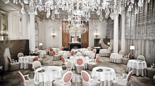 Alain-Ducasse-Plaza-Athenee-Paris-Silencio-salle
