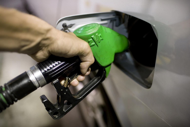 Benzin-ár