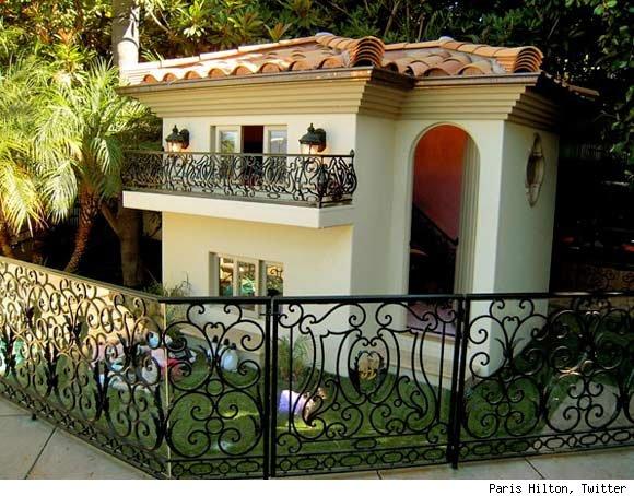 paris-hilton-dog-mansion