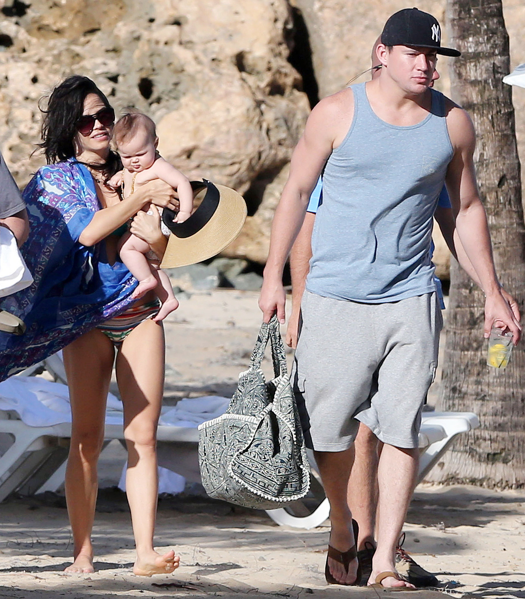 1386710949_jenna-dewan-tatum-channing-tatum-everly-zoom