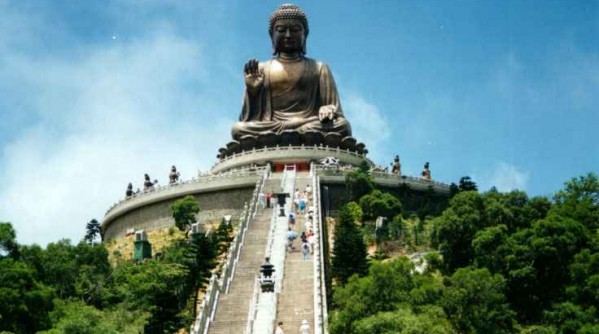 giant-buddha-statue-lantau-island