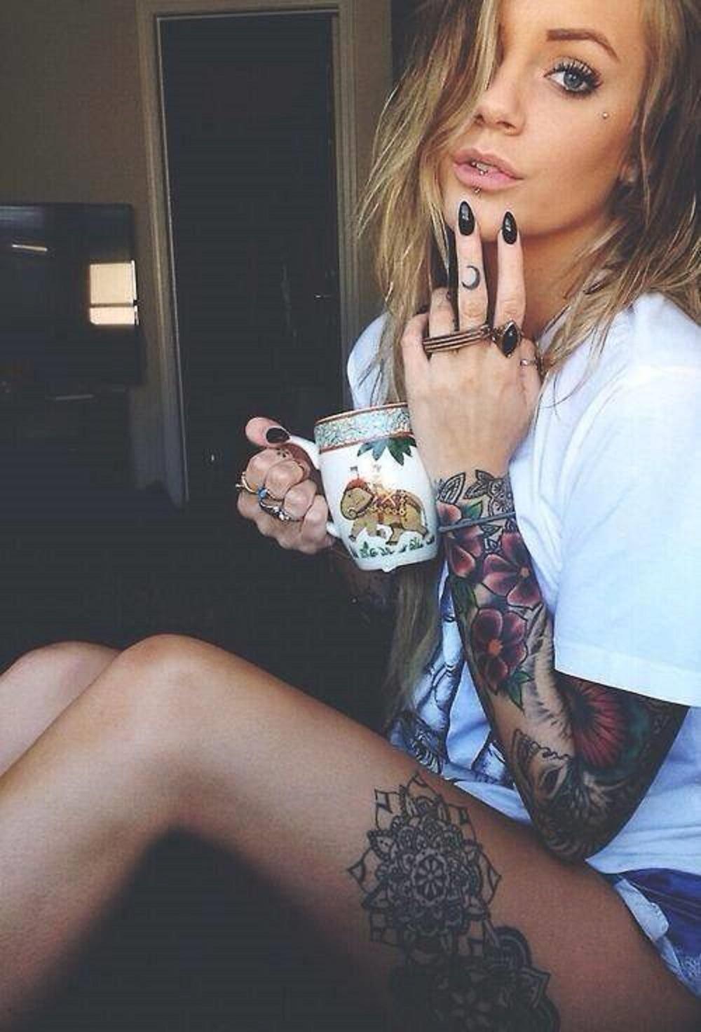girl-tattoo