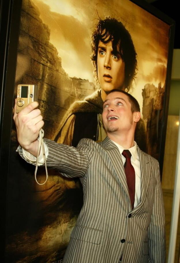 selfie-of-selfie-elijah-wood1