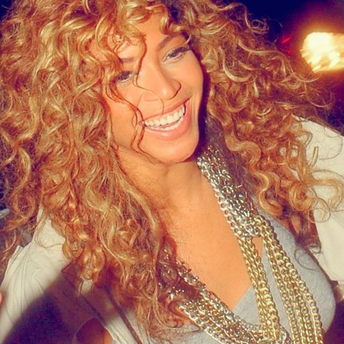 Beyonce-Curly-Hairstyles