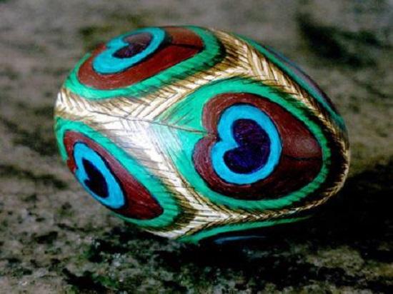 Red-Tri-Easter-Egg