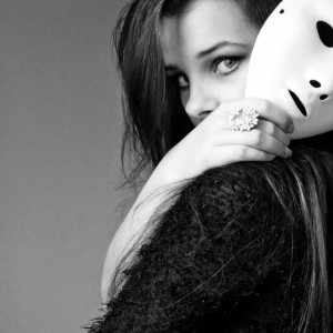 19160-girl-with-a-white-mask-1920x1080-photography-wallpaper
