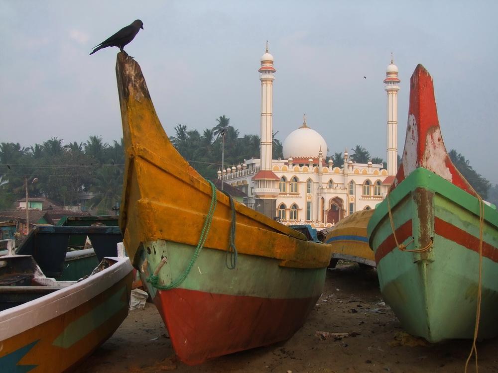 Színes halászhajók