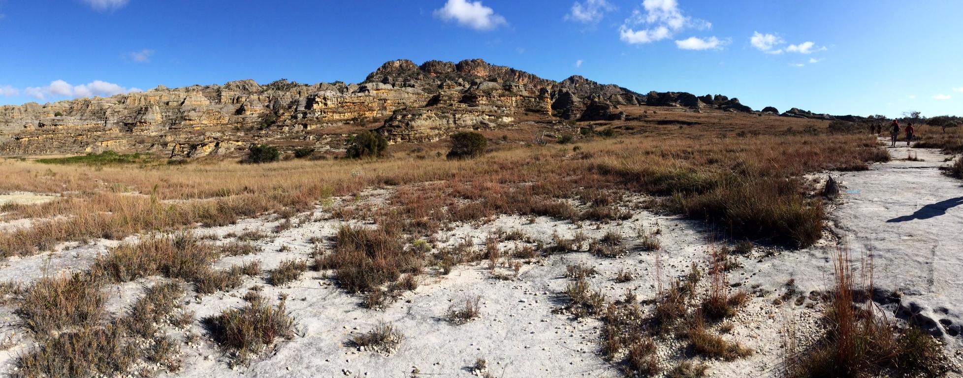 A turisták kedvelt célpontja az Isalo Nemzeti Park, amely híres különleges homokkő alakzatairól, mély kanyonjairól és pálmafás oázisairól (Fotó: Szabó Nóra)