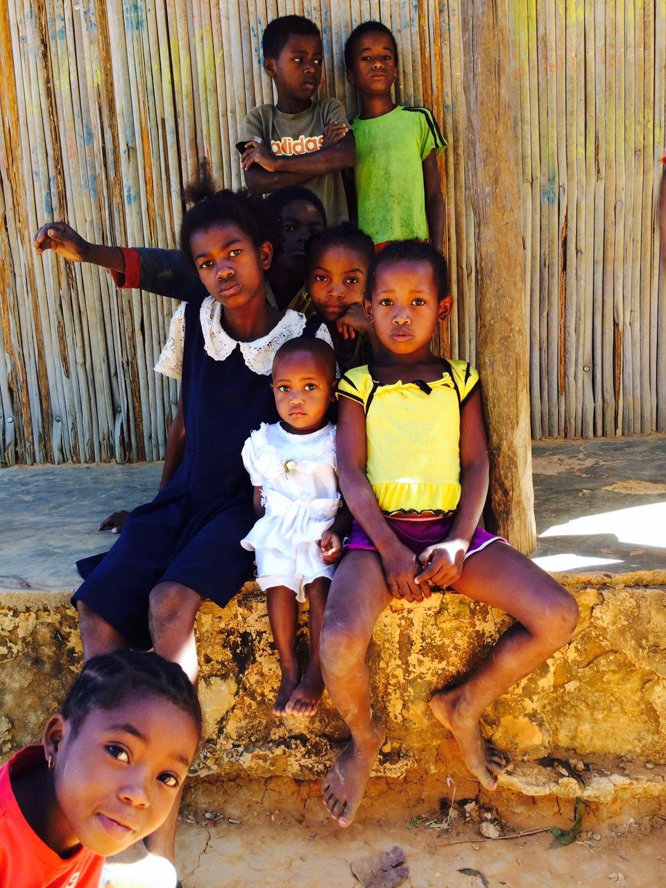 A maventibaói gyerekeknek, csakúgy mint az ország többi részén, hatéves kortól 14 éves korig kötelező iskolába járni, ennek is köszönhető, hogy az írni-olvasni tudás a népesség közel 65%-nál általános (Fotó: Szabó Nóra)