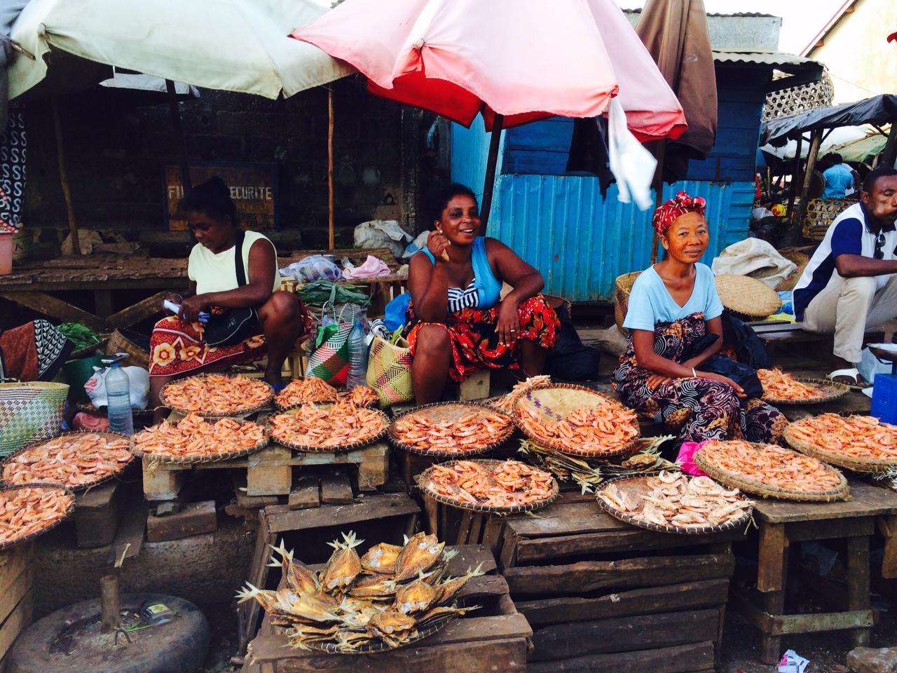 Piac Madagaszkár északi csücskén, Diego Suárez városában (Fotó: Szabó Nóra)