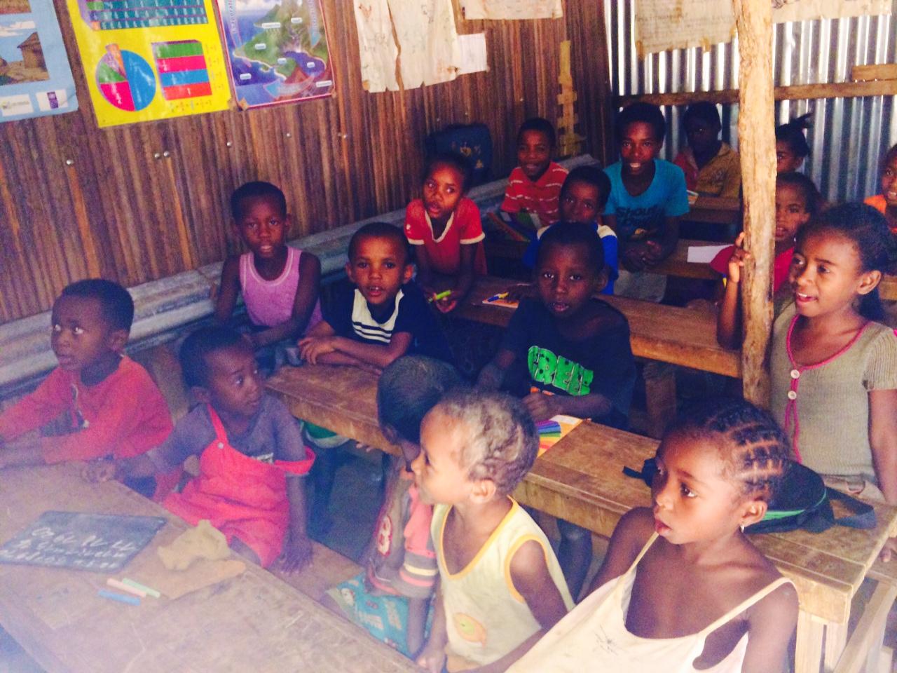Iskolás gyerekek Maventibaóban (Fotó: Szabó Nóra)