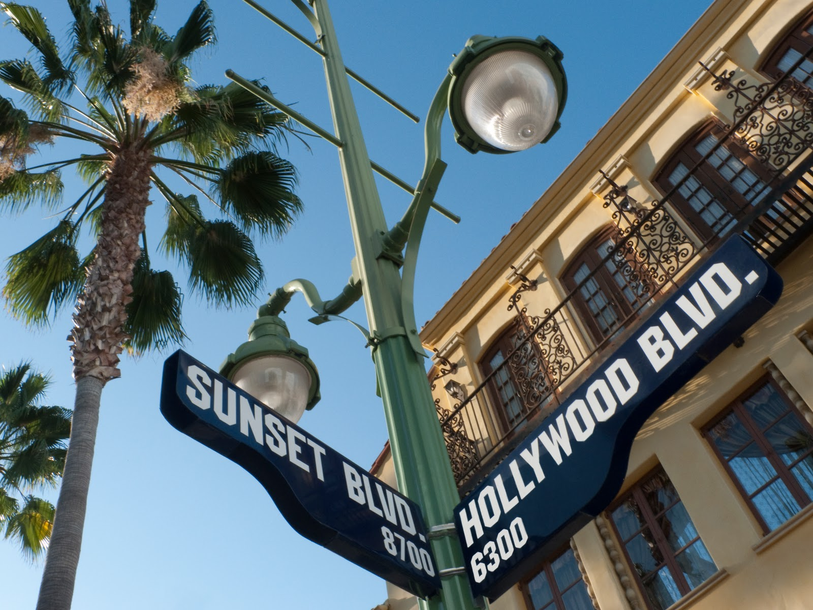 sunset-hollywood-sign