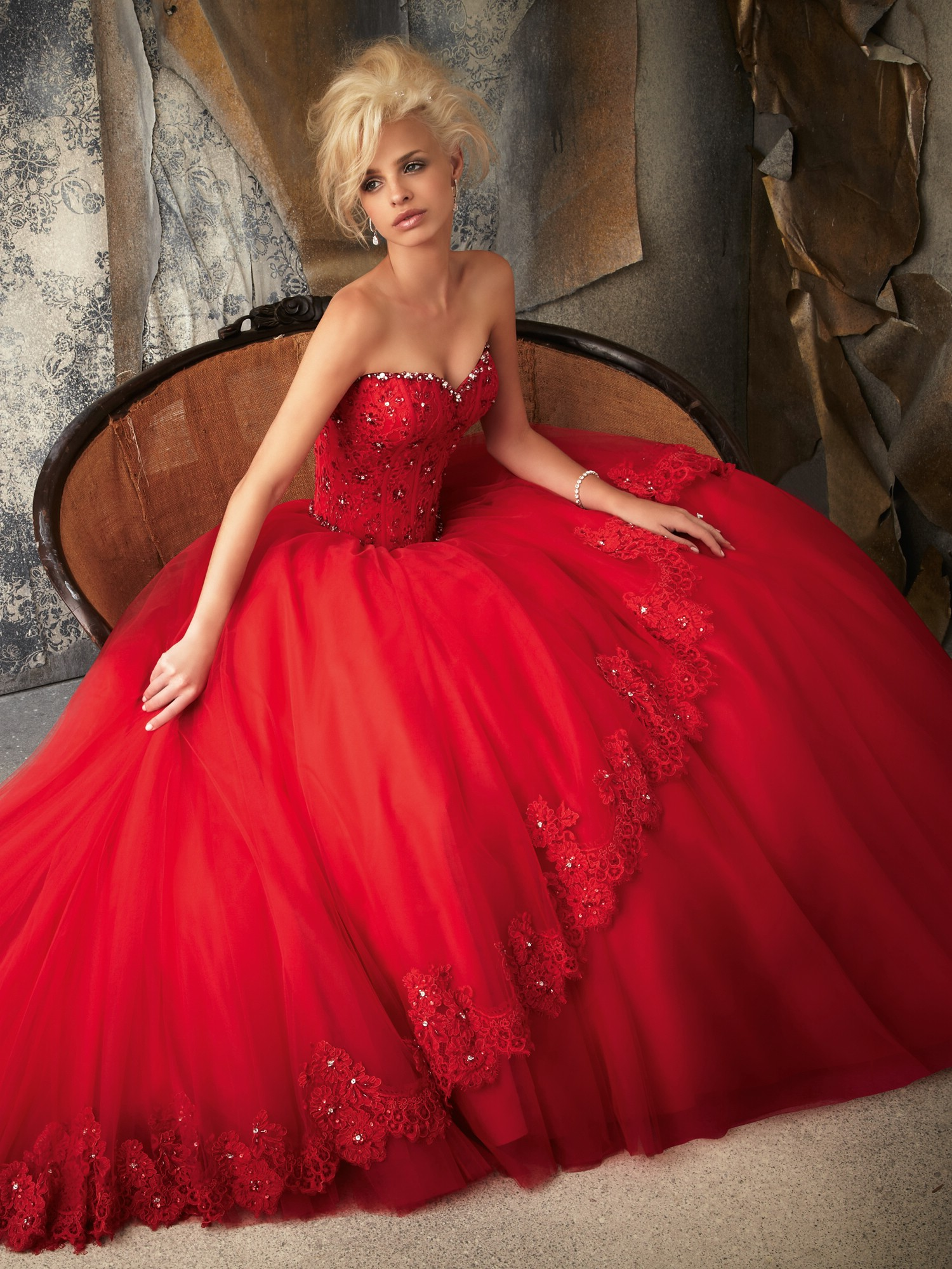 Neat-Red-Wedding-Dress-Photograph-Newest-Collection