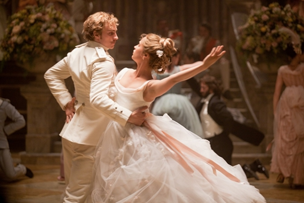 new-Anna-Karenina-stills-anna-karenina-by-joe-wright-32171327-590-393