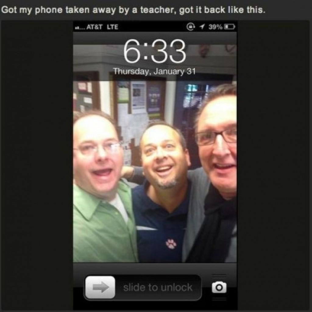 Amikor a tanárod elveszi a telefonodat és amikor visszakapod ez a kép fogad....