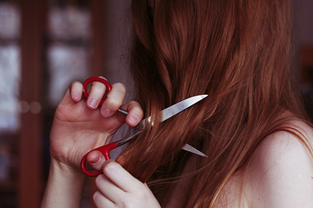 girl-hair-hand-red-hair-scissors-Favim.com-330488