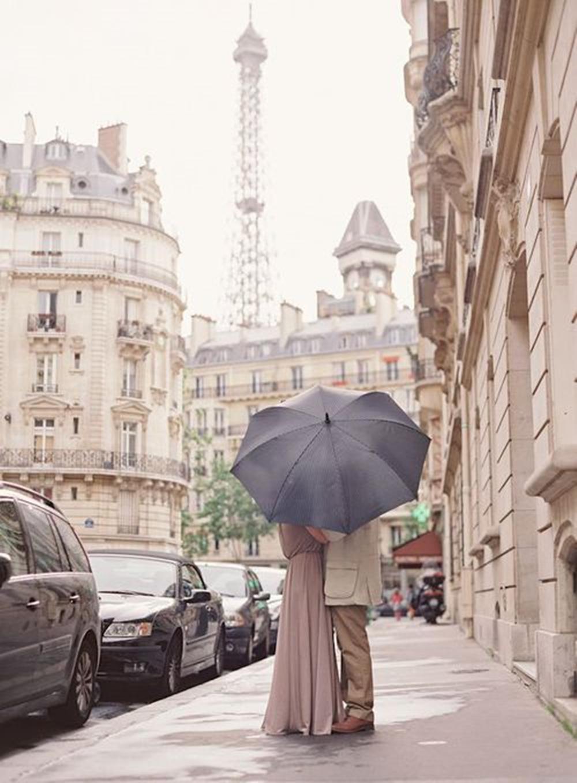pár. csak az ernyő alatt!