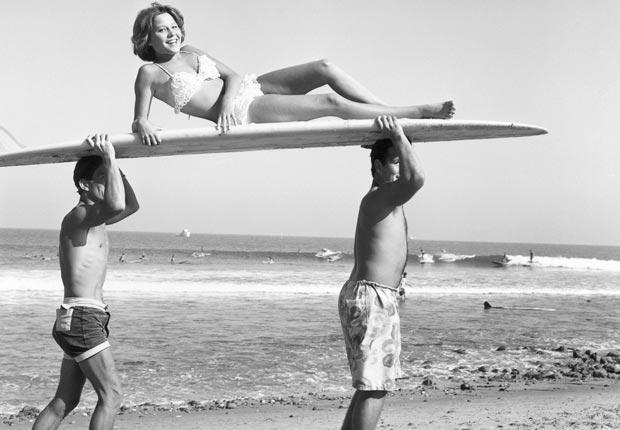 Bikini - avagy egy fürdőruha és az atombomba találkozása 94715e6362