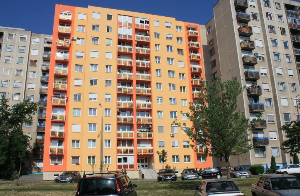 Szolnok-Szechenyi-lakotelep-panelhaz-1024x670