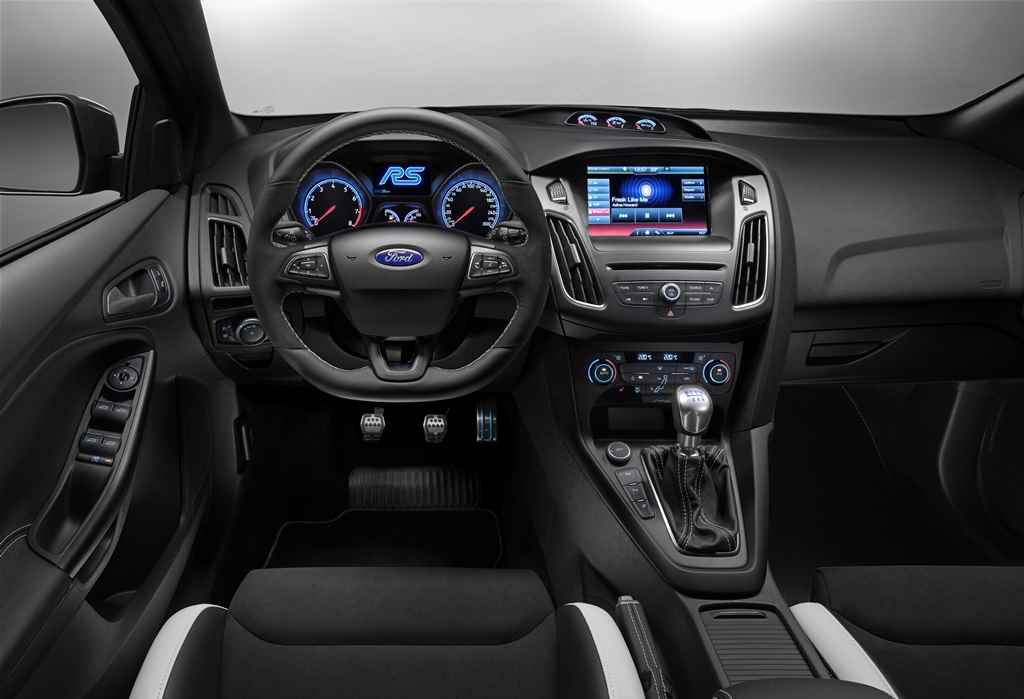 ford-focus-rs-2016-autoaddikt-3