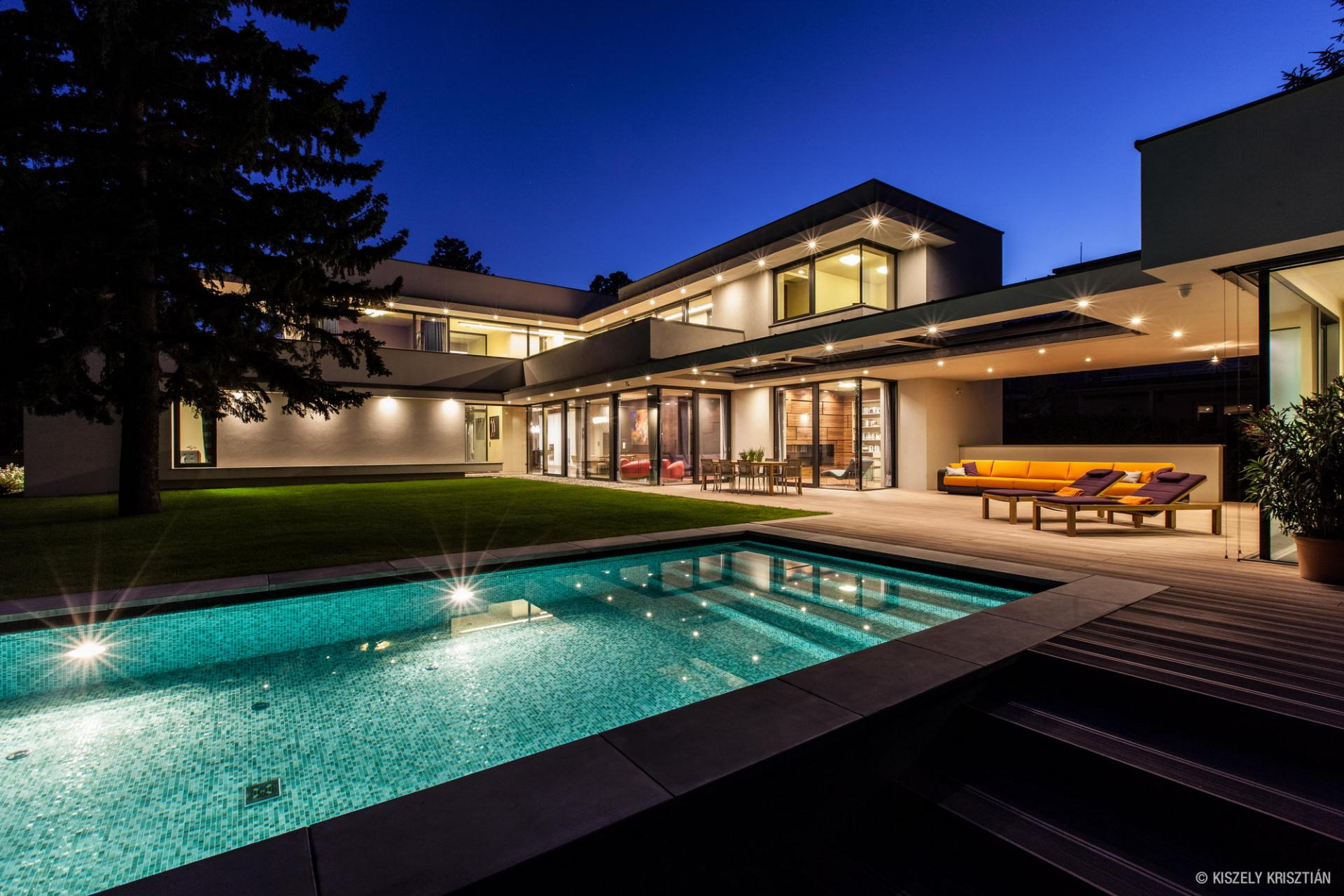modern-day-bauhaus-home-contemporary-masterpiece-1