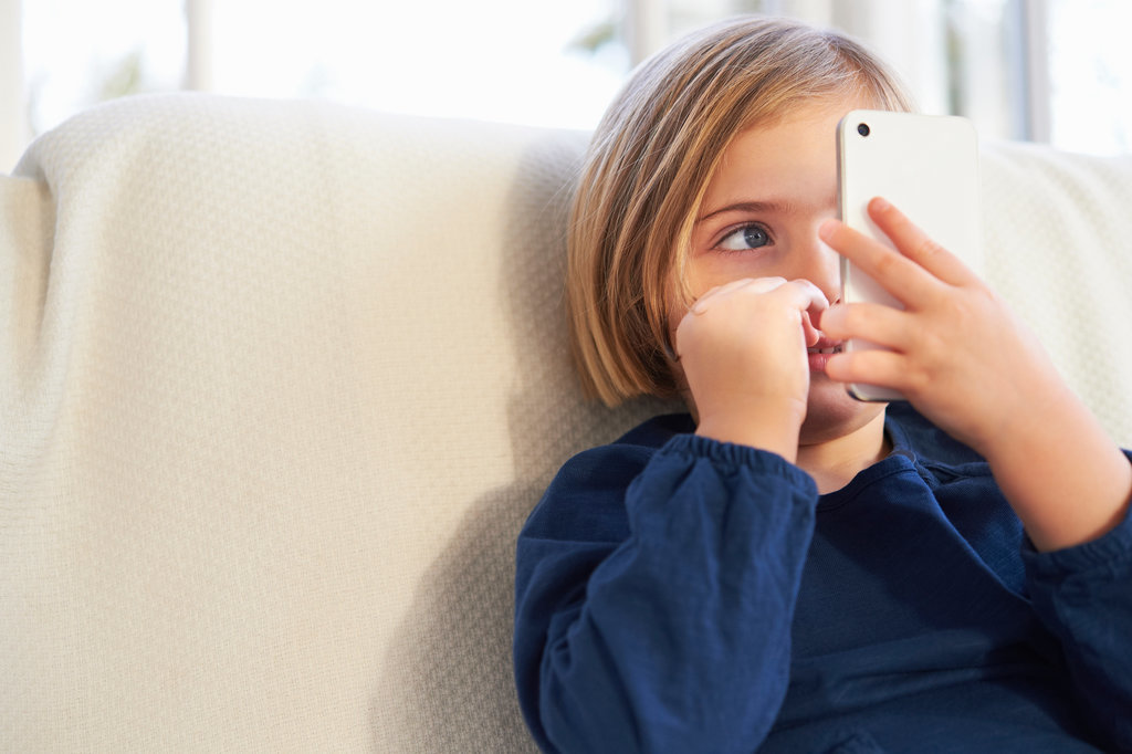 Reasons-Give-Your-Kid-Cell-Phone